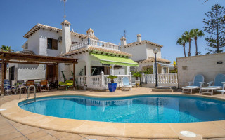 Villa de 4 habitaciones en La Zenia  - B1111