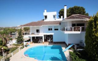 Villa de 5 habitaciones en Dehesa de Campoamor  - CRR15739672344