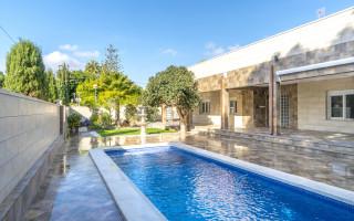 5 bedroom Villa in Punta Prima  - B1019