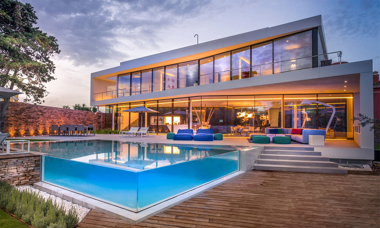 Buy a villa in Torrevieja